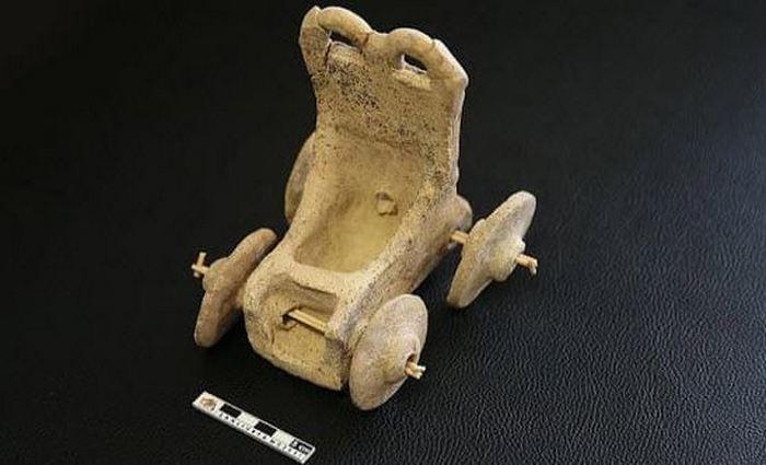 Первобытные стринги, подушка вигингов и другие древние вещи, которые дошли до наших дней.