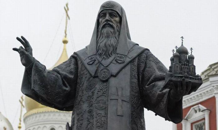 Митрополит Алексий просил Ивана Вельяминова вернуться с покаянием на Родину.