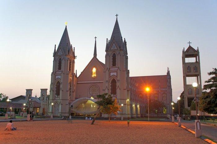 Церковь в Шри-Ланке.
