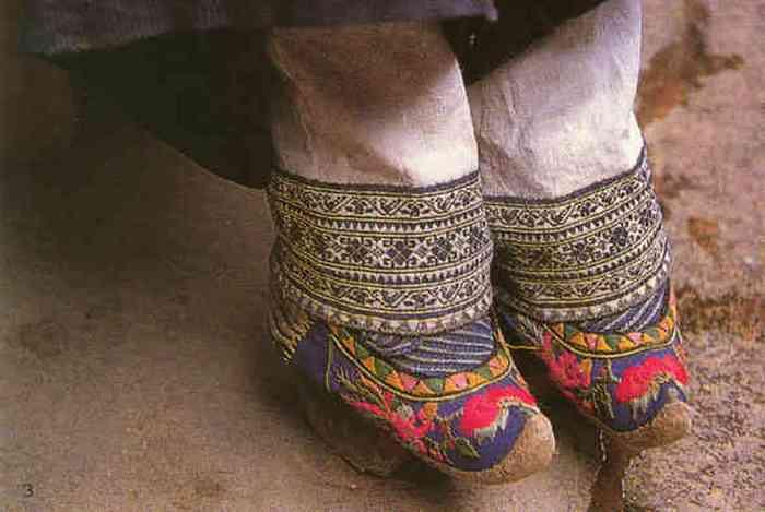 Вот такая странная обувь.