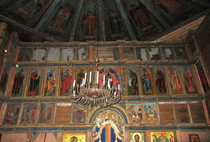 Иконостас Успенского храма.