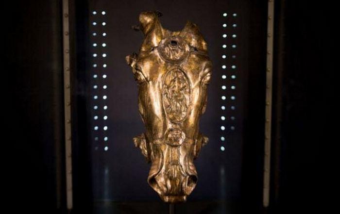 Древний римский артефакт.