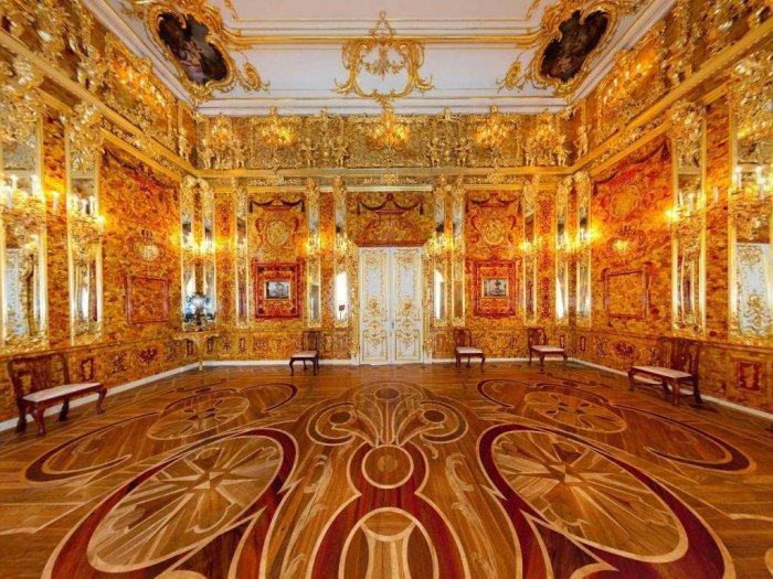 Та самая Янтарная комната.