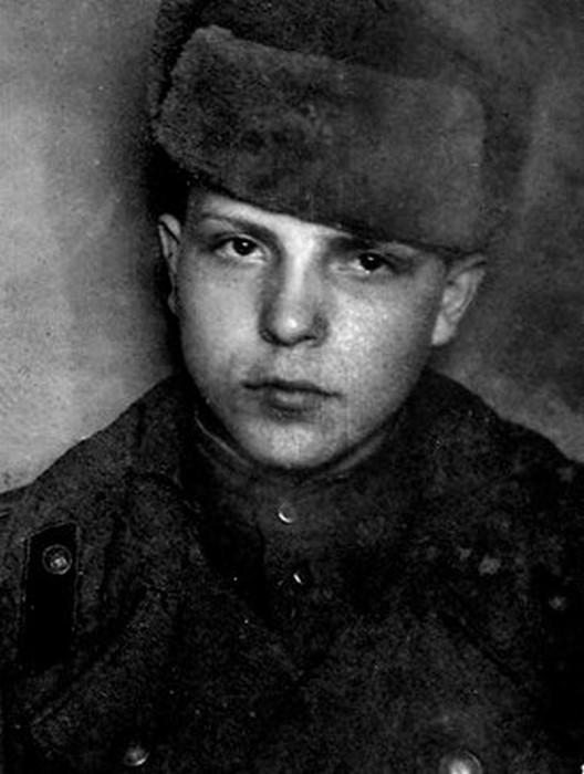 Юный герой Михаил Зирченко.