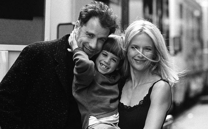 Джон Траволта с женой и сыном.