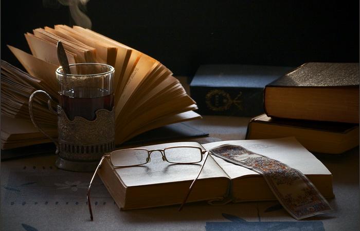 Фото-натюрморты Александра Сенникова. Вечернее чтение.