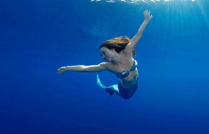 Подводные фотографии Марины Кочетовой. Купаясь в солнечных лучах.