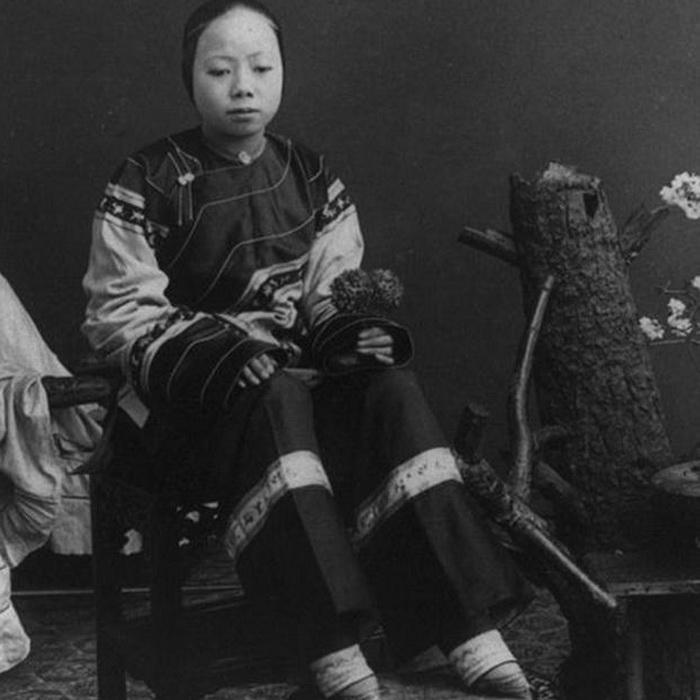 Лотосовые ноги китаянки