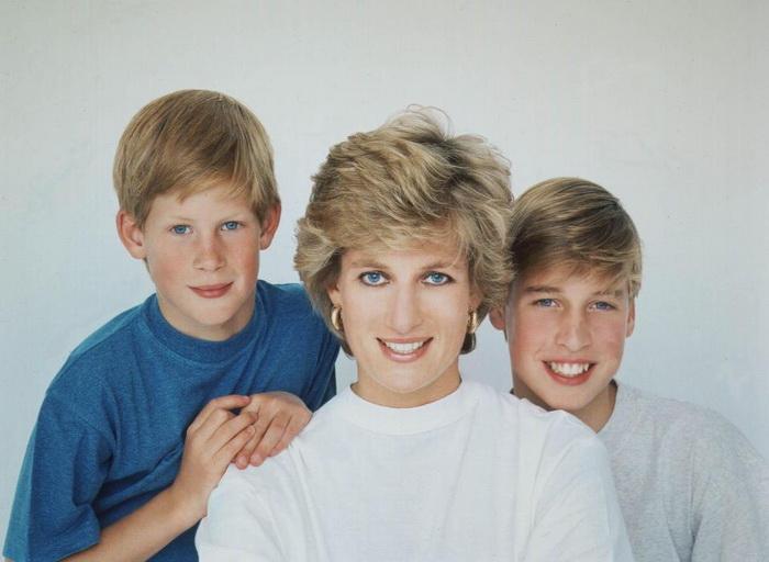 Принцесса Диана - любящая мать. Фото: youtube.com