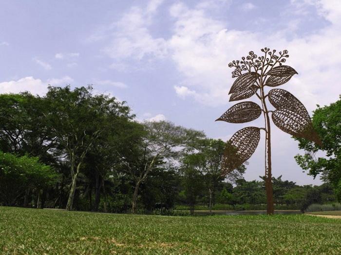 Деревья из стали в сингапурском парке. Монументальные скульптуры Бена-Давида Задока