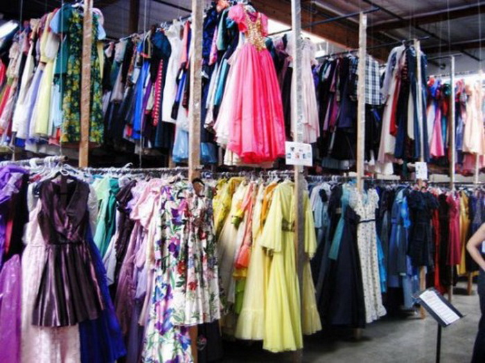 55 тысяч платьев во имя любви: огромная частная коллекция Пола Брокмана
