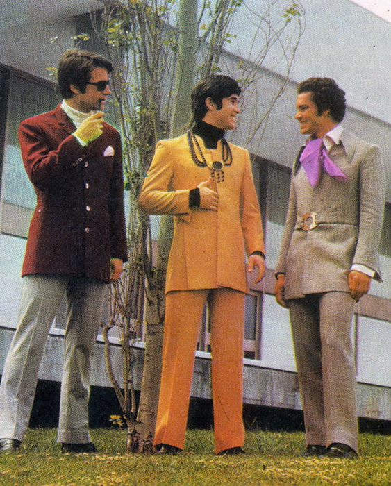 Брючные костюмы с приталенными пиджаками