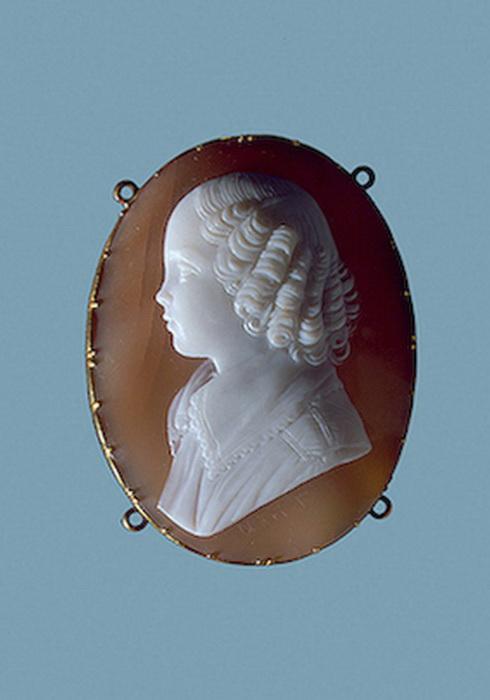 Портрет великой княжны Александры Николаевны , камея, вторая половина 1830-х гг. Италия
