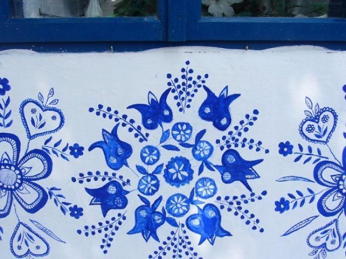 Агнешка Кашпаркова любит цветочные мотивы.