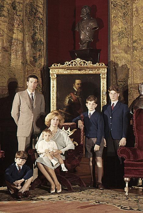 Семейное фото: Каэтана Альба с первым мужем и детьми