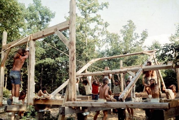Строительство деревянного барака
