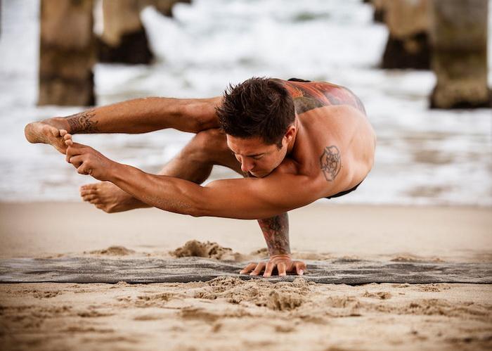 Мужская йога: фотоцикл от Эми Гоален (Amy Goalen)