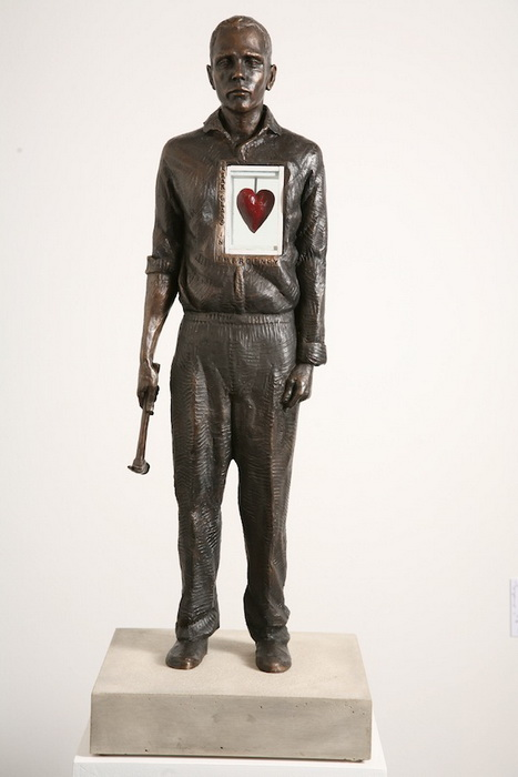 *В случае чрезвычайной ситуации*: скульптура от Эндрю Майерса (Andrew Myers)