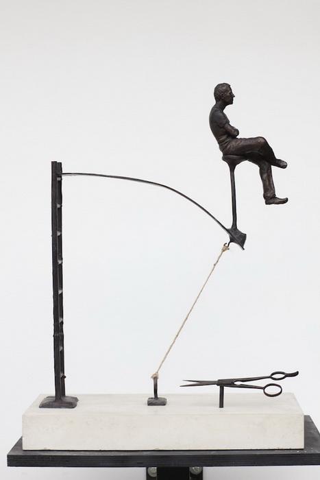 *Жизнь полна неожиданных моментов*: скульптура от Эндрю Майерса (Andrew Myers)
