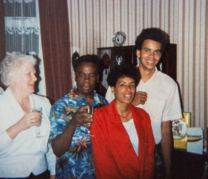 Дорин и Эндрю с детьми, 1980-е гг.