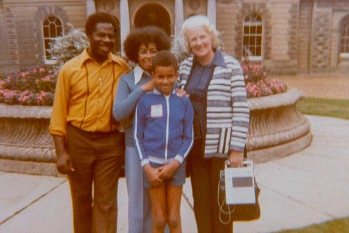Дориан и Эндрю с дочерью Пенни и сыном Крисом. 1970-е гг.