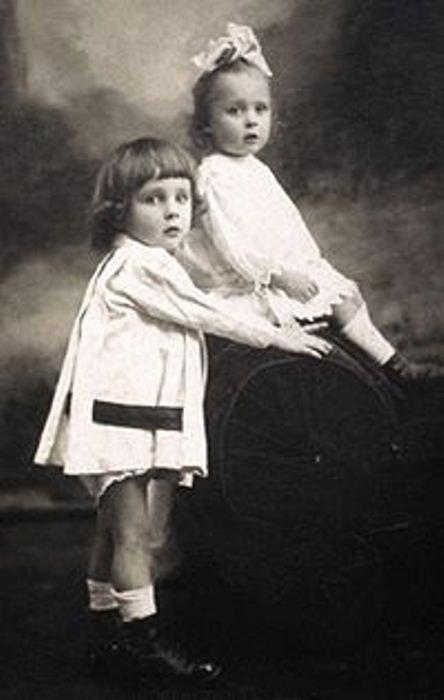 Княжна Наталья Андросова с братом Кириллом. Ташкент, 1919. Фото: ru.wikipedia.org