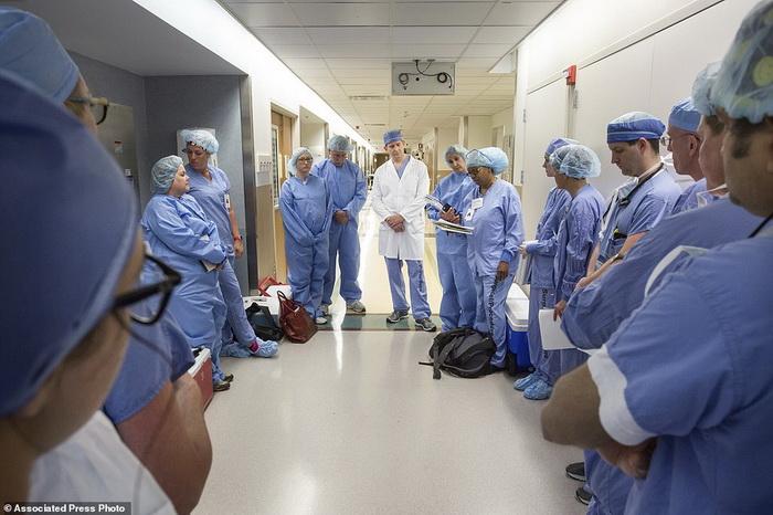 Часть врачей, которые провели сложнейшую операцию