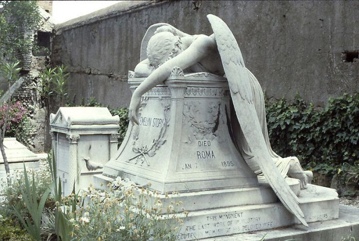 Ангел скорби на протестантском кладбище в Риме.Фото: buzzerg.com