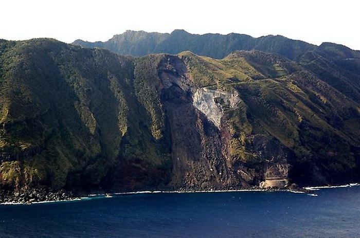 Аогашима - обитаемый остров-вулкан в Японии