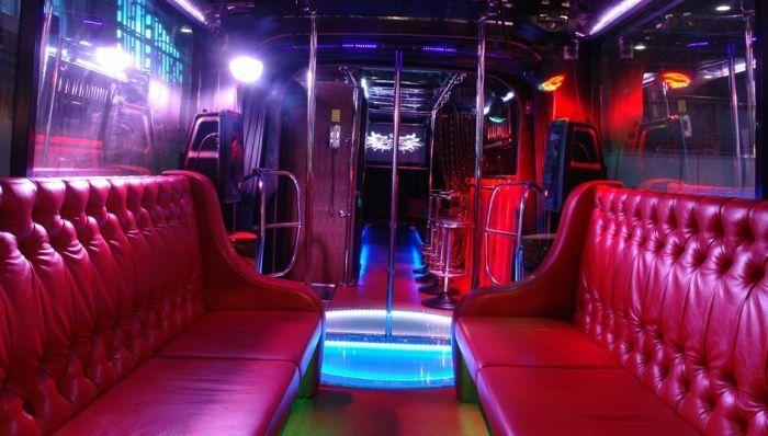 Barbus Maxi - ночной клуб на колесах в Санкт-Петербурге