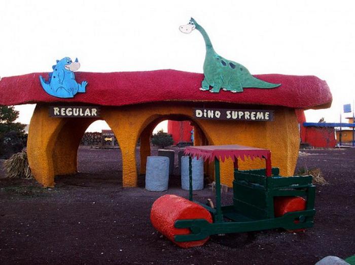 Забавный магазин в городке Бедрок (Северная Аризона)