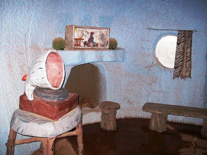 Дом Флинстоунов в городке Бедрок (Северная Аризона)