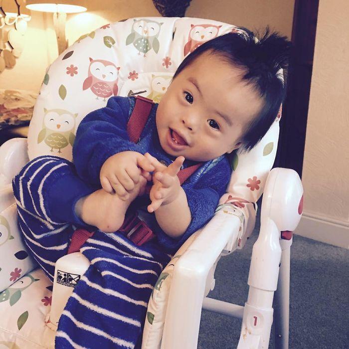 Младший сын Жозеф. 2 года. Синдром Дауна.