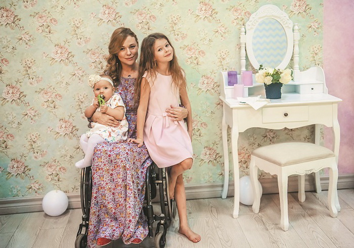 Ксения Безуглова с дочерьми