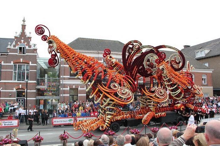 Bloemencorso - крупнейший парад цветов в мире