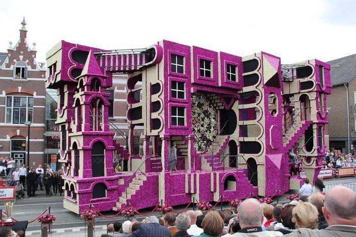 Фестиваль Bloemencorso ежегодно проходит в городе Зюндерт (Нидерланды)