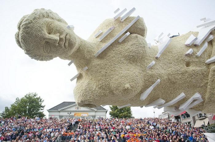 Bloemencorso-2013: роскошные скульптуры на нидерландском параде цветов