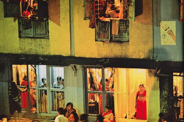 Квартал красных фонарей в Бомбее