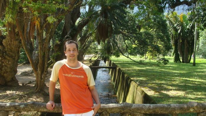 Вальтер Лэнг - дизайнер из Бразилии.