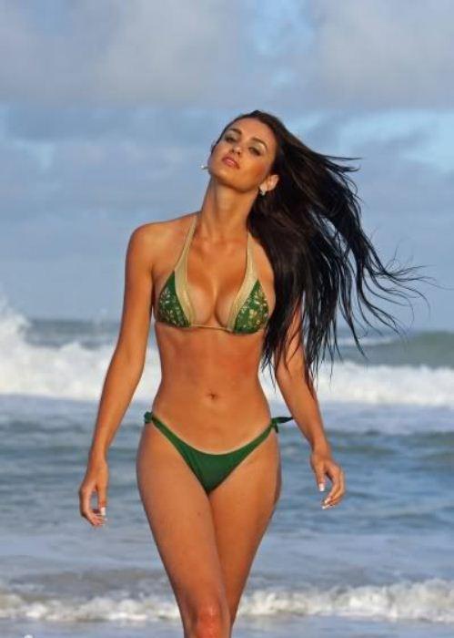 Пластические операции по увеличению груди очень популярны среди бразильянок