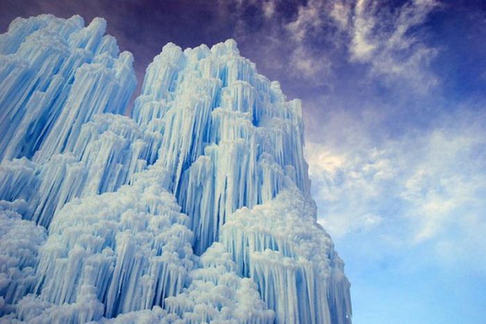 Ледяной замок, построенный Брентоном Кристенсеном (Колорадо)