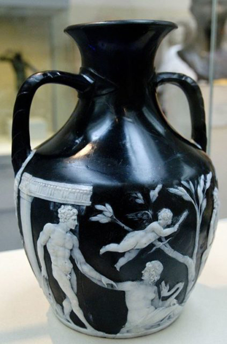 Портлендская ваза - античная реликвия.