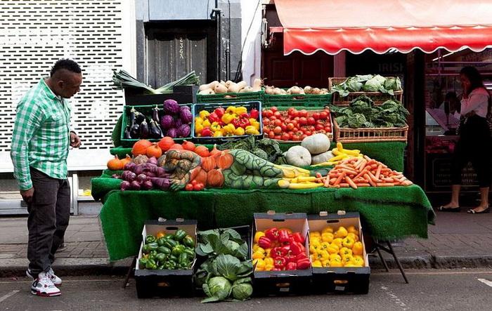 *Овощной* боди-арт от Каролины Ропер