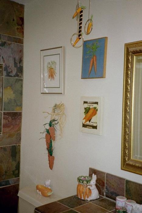 Люстра, картины и даже мыльница в виде моркови