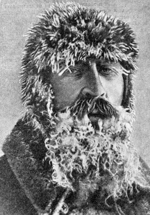 Отто Шмидт - начальник экспедиции   Фото: cheluskin.ru