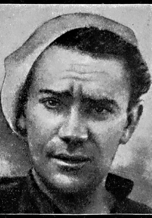 Завхоз Могилевич, единственный погибший. Был сбит с ног покатившейся бочкой на палубе и упал за борт, где его сразу затянуло под лёд   Фото: cheluskin.ru