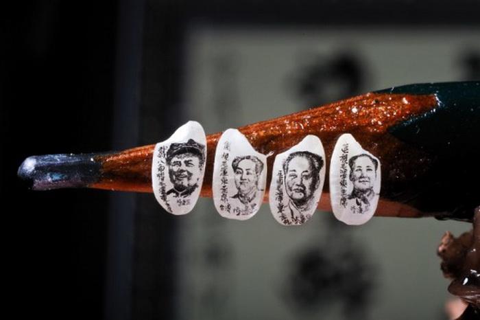 Рисунки-миниатюры на рисовых зернах, выполненные тайваньским художником Chen Forng-Shean