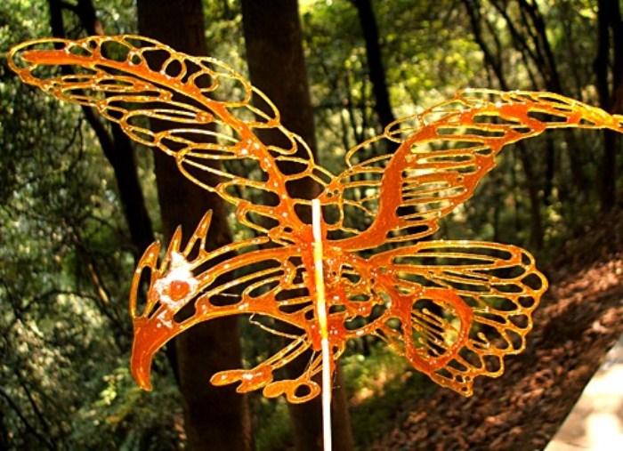 Сувенир из Китая: карамельная птица Феникс