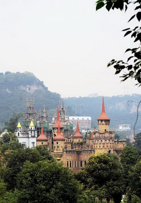 Европейские замки в Китае от миллионера Liu Chonghua