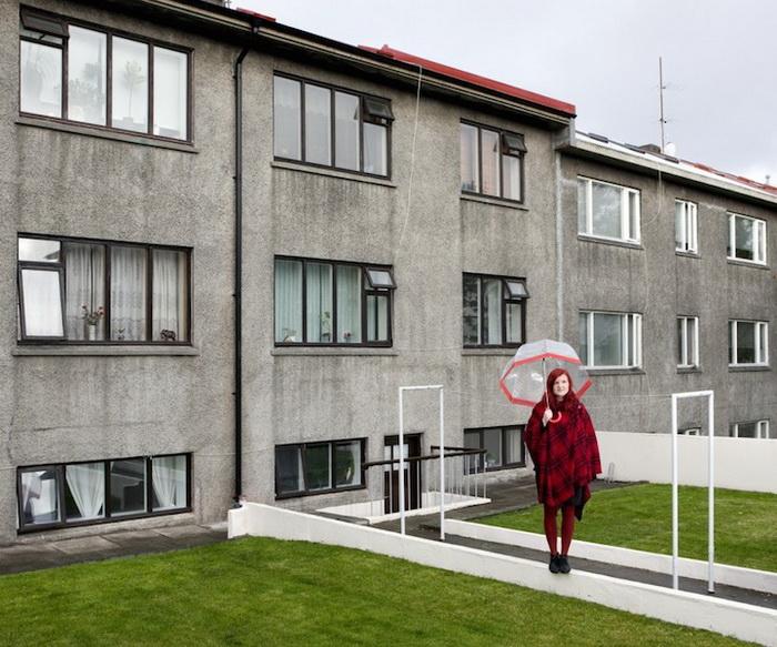 Каучсерфинг: Berglind Gunnarsduttir, г. Рейкьявик, Исландия. Фотопроект от Габриэле Глимберти (Gabriele Galimberti)